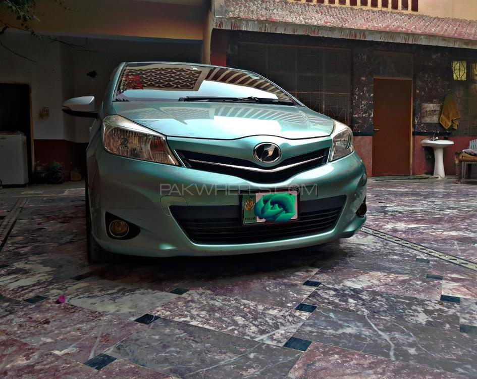 Toyota Vitz RS 1.5 2013 Image-1