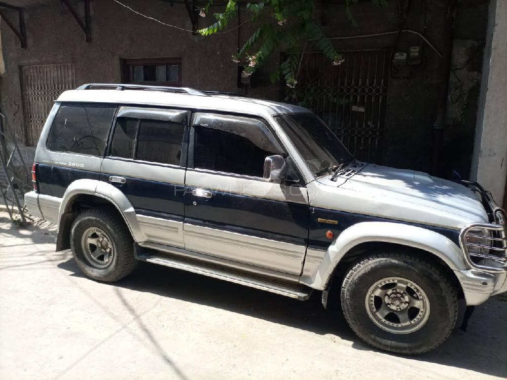 Mitsubishi Pajero Exceed Automatic 2.8D 1992 Image-1