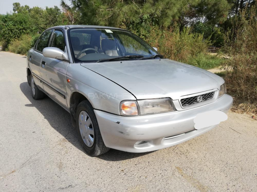 Suzuki Baleno GLi P 2002 Image-1