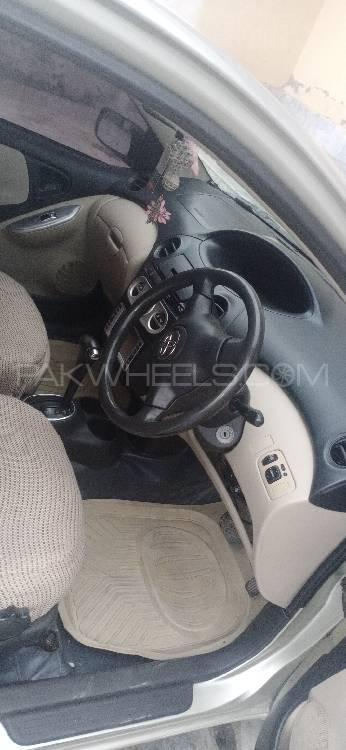 Toyota Vitz RS 1.3 2004 Image-1