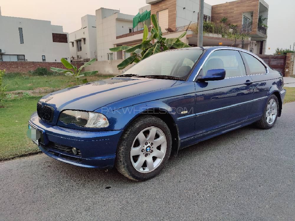 BMW 3 Series 2002 Image-1