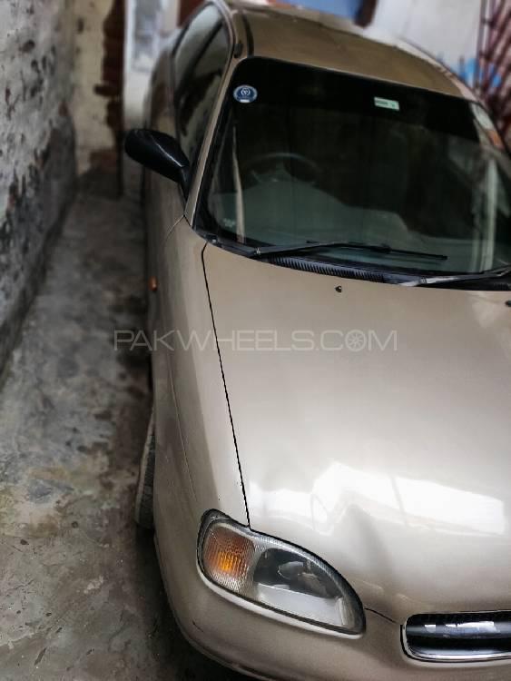Suzuki Baleno GLi P 2005 Image-1