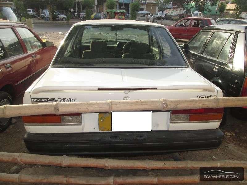Nissan Sunny 1988 Image-8