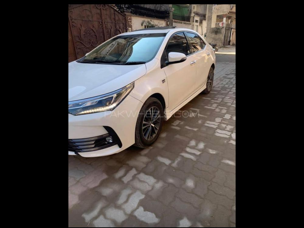 Toyota Corolla Altis CVT-i 1.8 2020 Image-1