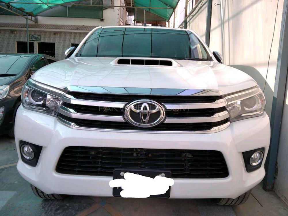 Toyota Hilux Revo V Automatic 2.8 2016 Image-1