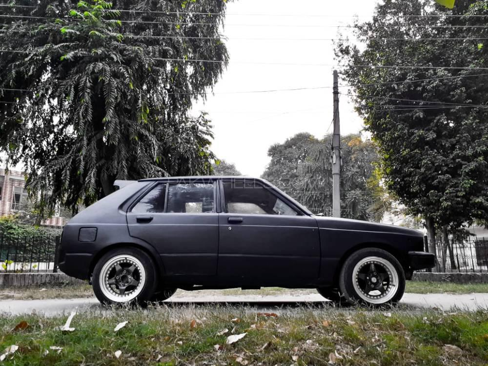 Toyota Starlet 1978 Image-1