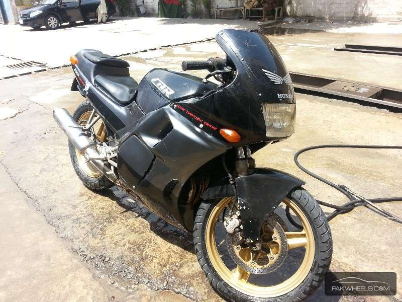 which model is it really? - honda cbr250 rr 1996 4473683