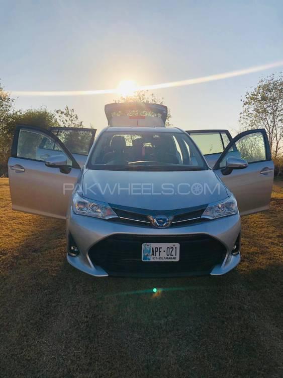 Toyota Corolla Fielder X 2018 Image-1