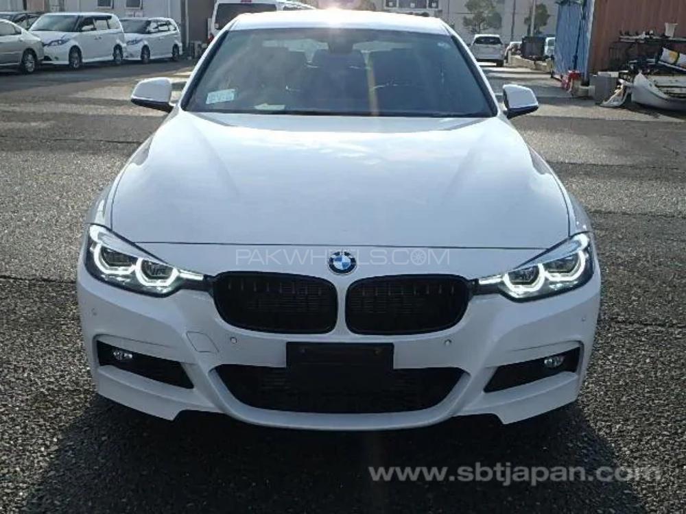 BMW / بی ایم ڈبلیو 3 سیریز 318i 2018 Image-1