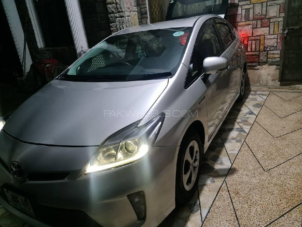Toyota Prius S LED Edition 1.8 2013 Image-1