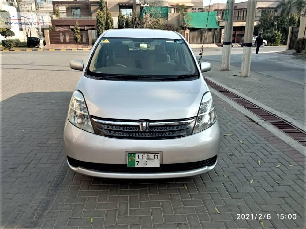 Toyota ISIS L 2007 Image-1