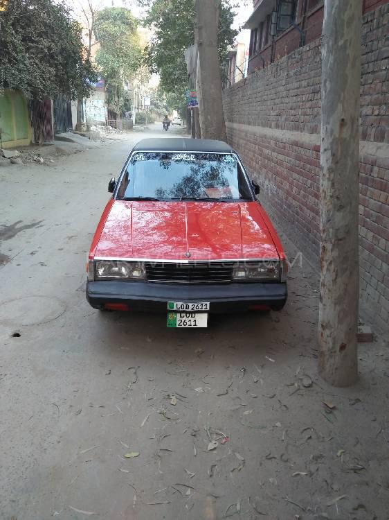 Toyota Corona 1982 Image-1