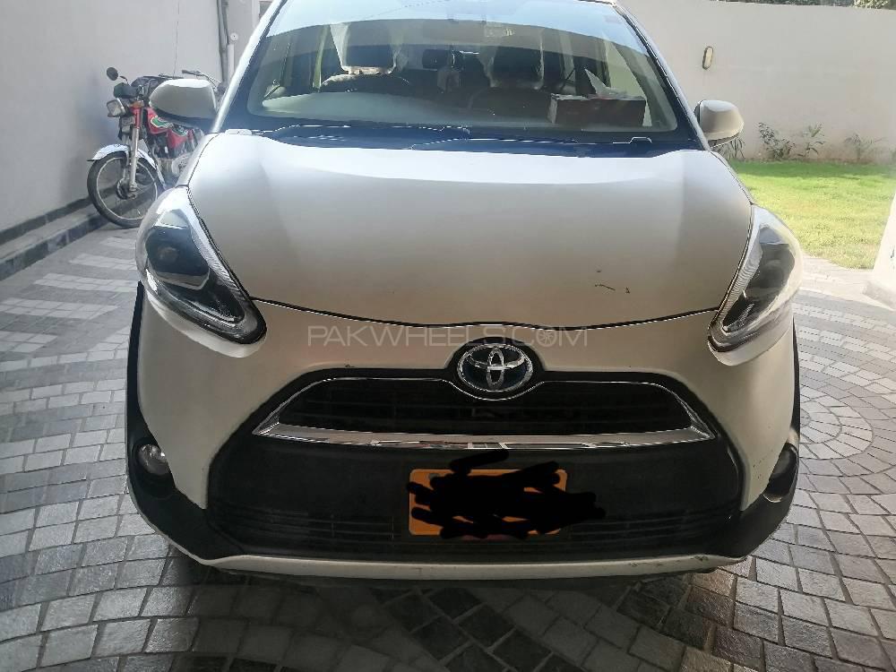 Toyota Sienta G 2015 Image-1