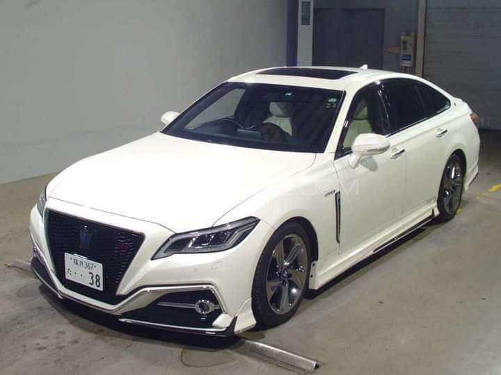 Toyota Crown Royal Saloon 2019 Image-1