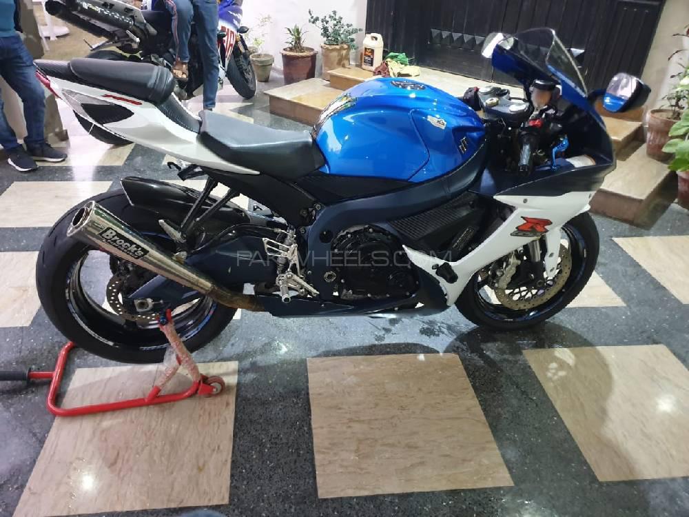 سوزوکی GSX-R750 2012 Image-1