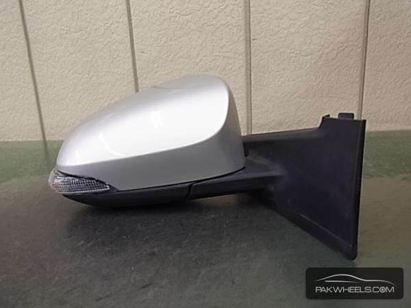 VITZ 2012 side mirror for sale!! Image-1