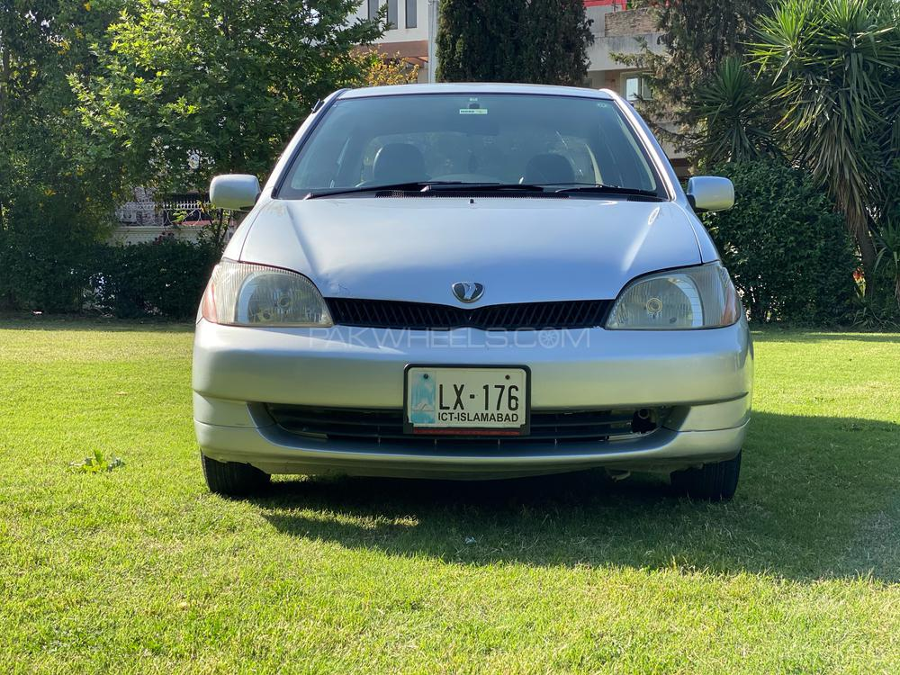 Toyota Platz F 1.0 1999 Image-1