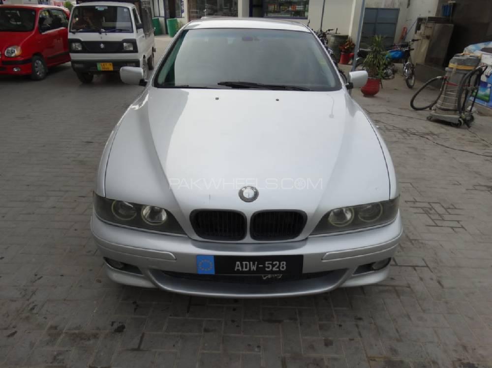 BMW 5 Series 528i 2000 Image-1