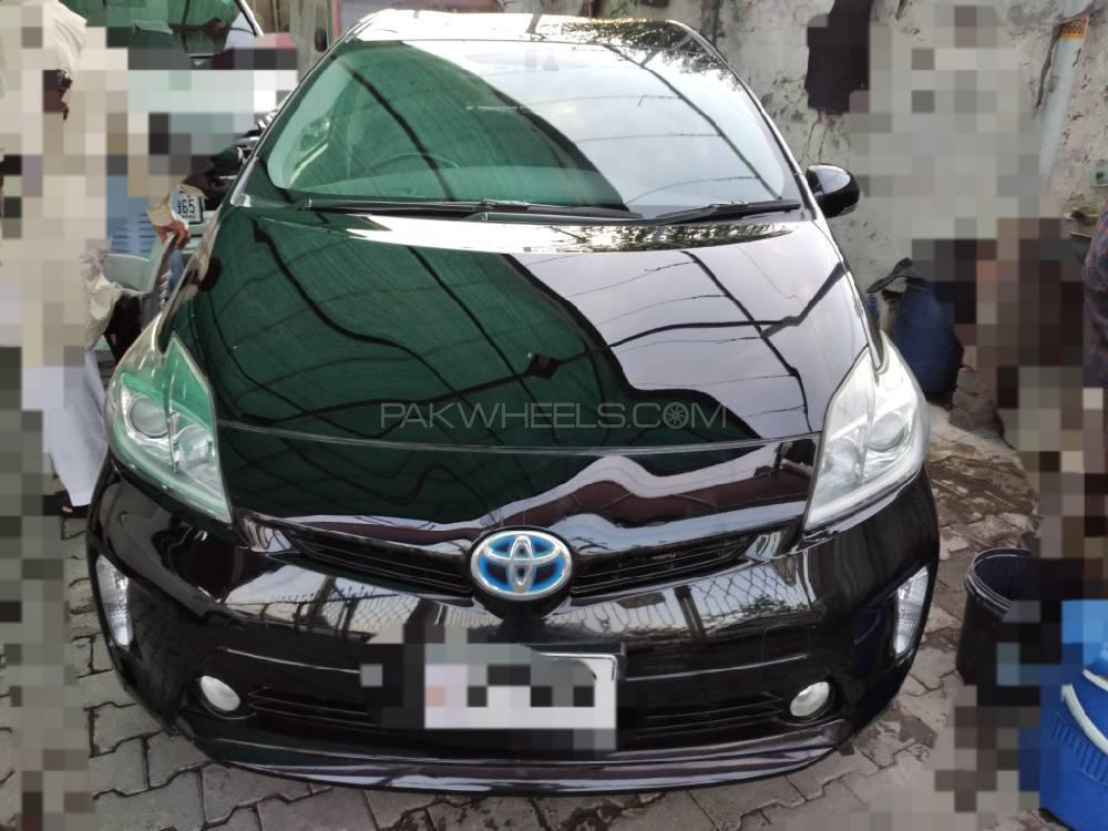 Toyota Prius S Touring Selection 1.8 2012 Image-1