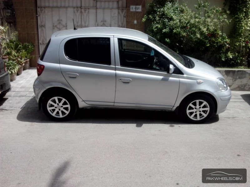 Toyota Vitz F Limited II 1.0 2004 Image-1