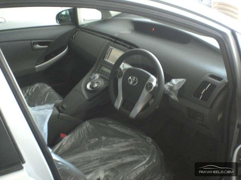 Toyota Prius S 1.8 2010 Image-4