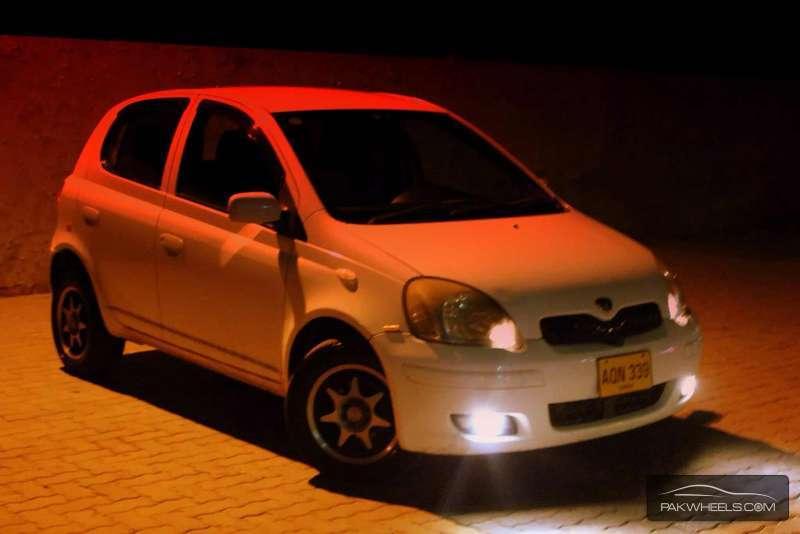 Toyota Vitz F Limited 1.0 2004 Image-1