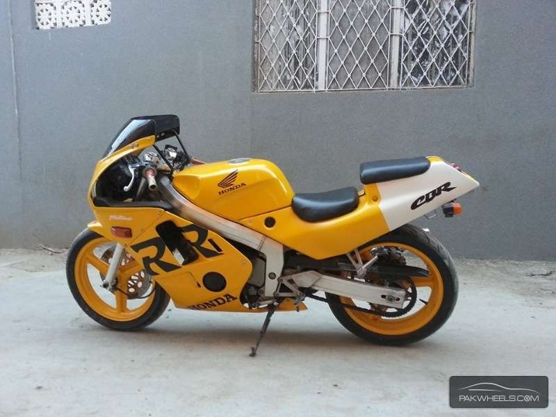 Sports Bike for a noob- suggestions please - honda cbr250 rr 1999 5523372