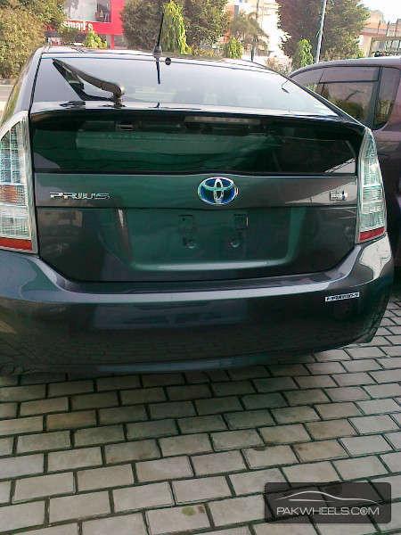 Toyota Prius S LED Edition 1.8 2011 Image-6