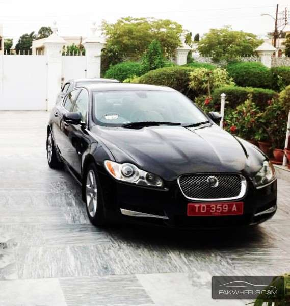 2010 Jaguar Coupe: Jaguar XF 3.0 V6 Premium Luxury 2010 For Sale In Karachi