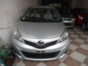 Used Toyota Vitz 2013