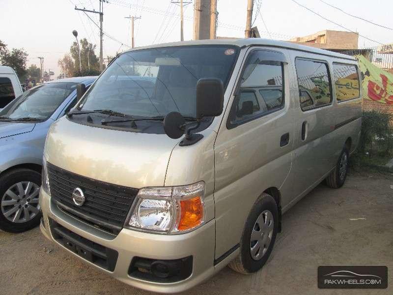 Nissan Caravan 2009 Image-2