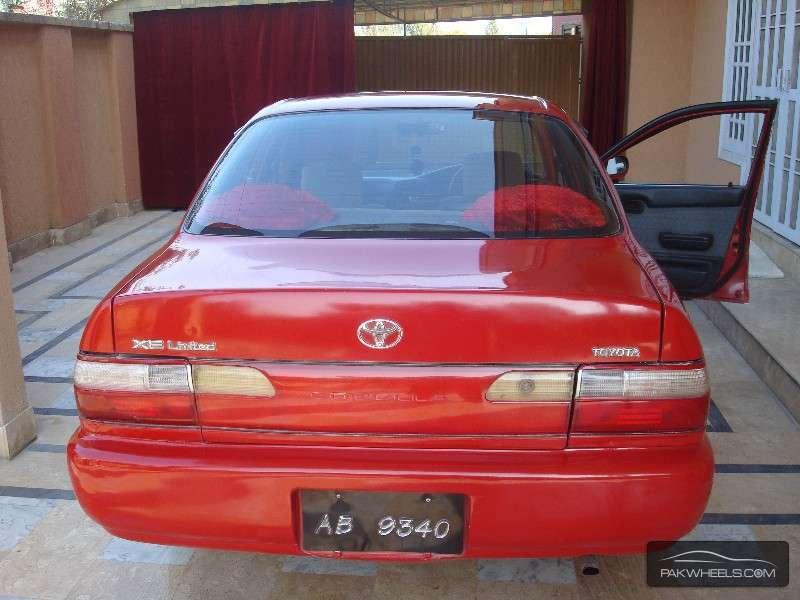 Toyota Corolla XE Limited 1996 Image-3