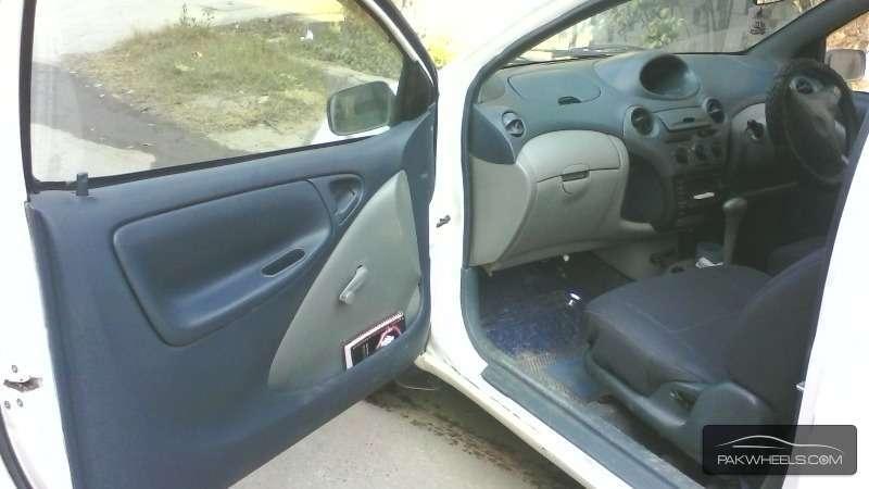 Toyota Vitz B 1.0 1999 Image-3