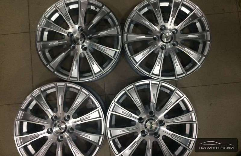 buy corolla 15 inch alloy rims for sale in islamabad pakwheels. Black Bedroom Furniture Sets. Home Design Ideas