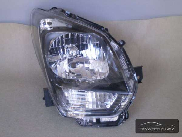 wagon r 2013 mh 34 right head light Image-1