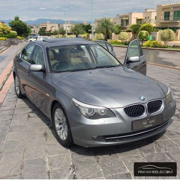 used bmw 5 series 523i 2009 car for sale in islamabad. Black Bedroom Furniture Sets. Home Design Ideas