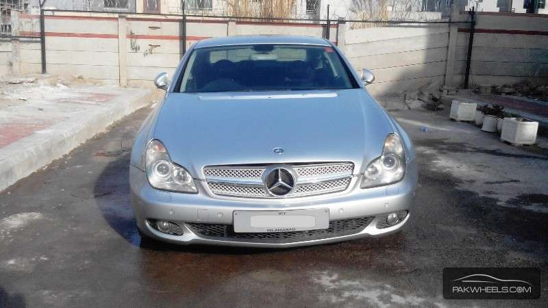 Used mercedes benz cls class 350 2006 car for sale in for Used mercedes benz cls for sale