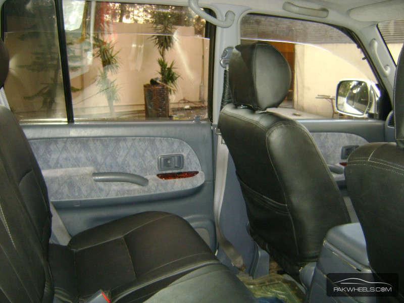 Toyota Prado 2001 Image-5