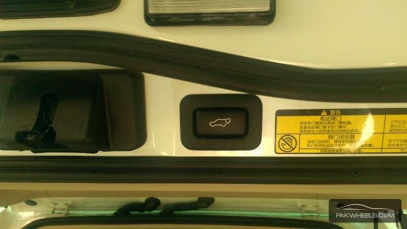 Toyota Land Cruiser ZX 2013 Image-9