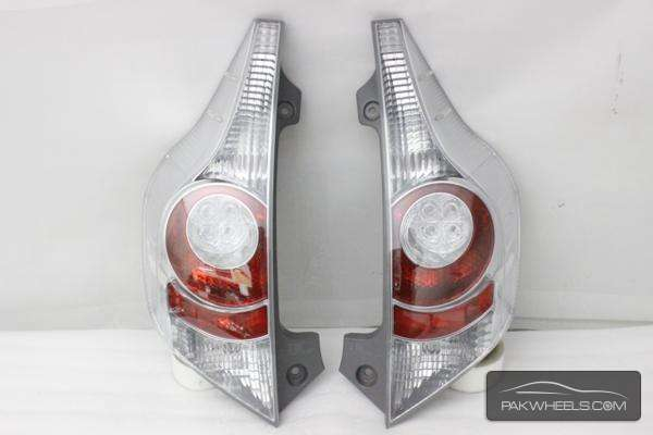 toyota aqua back light pair For Sale Image-1