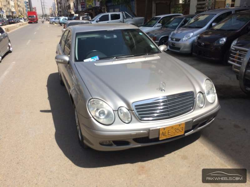 used mercedes benz e class e 220 cdi 2003 car for sale in karachi 1105480 pakwheels. Black Bedroom Furniture Sets. Home Design Ideas