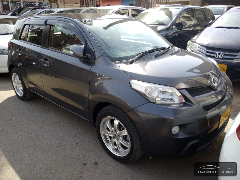 Toyota IST 2010 Image-1