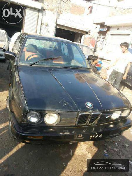 BMW 3 Series 316i 1990 Image-1