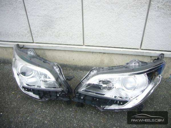 nissan lukes headlight For Sale Image-1
