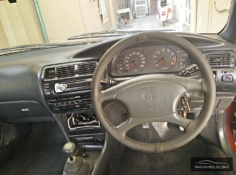 Toyota Corolla XE-G 1999 Image-6