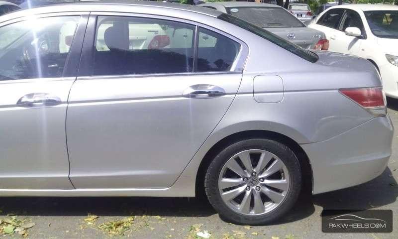 Honda Accord VTi 2.4 2011 Image-5
