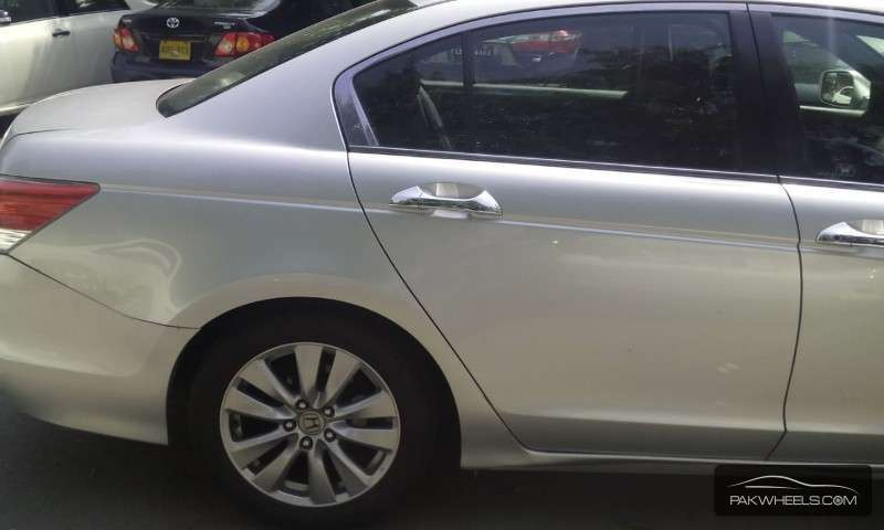 Honda Accord VTi 2.4 2011 Image-6