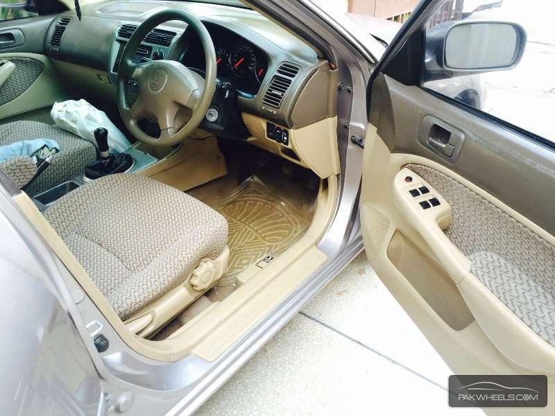 Honda Civic VTi Oriel 1.6 2003 Image-3