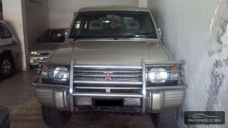 Mitsubishi Pajero Exceed 2.8D 1992 Image-1