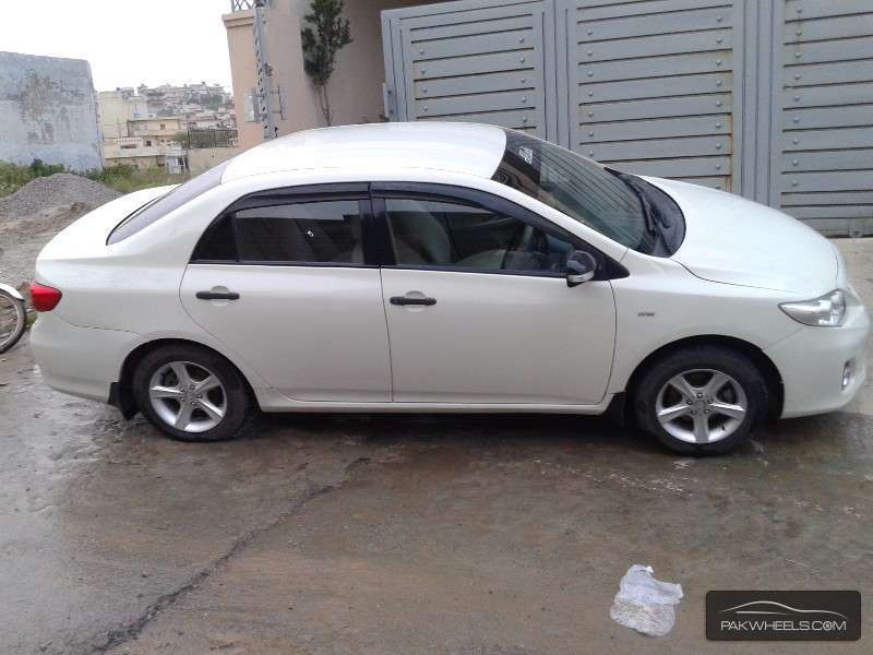 used toyota corolla 2012 car for sale in islamabad 1151523 pakwheels. Black Bedroom Furniture Sets. Home Design Ideas